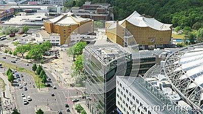Arquitetura da cidade em torno do Potsdamer Platz a opinião de ângulo alto sobre a cidade com tiergarten e Sony centra-se video estoque