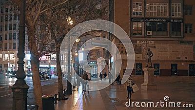 Arquitetura da cidade da noite de Valência com rua de Xativa e Plaza de Toros, Espanha video estoque