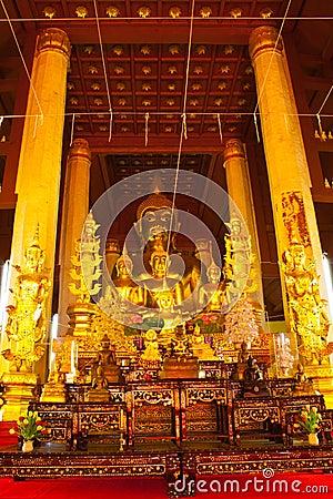 Arrange of Buddha image