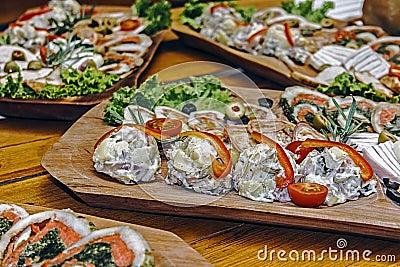 Arrangement of food 25