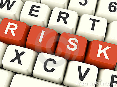 Arriesgue los claves de ordenador que muestran peligro e incertidumbre