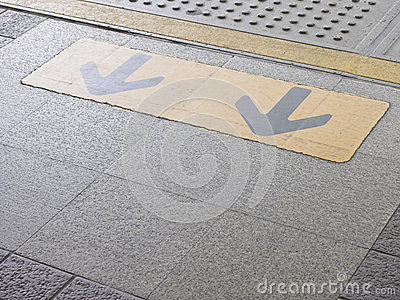 Arrow on platform