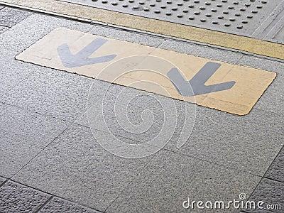 Arrow on platform