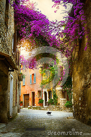 Free Art Beautiful Old Town Provence Stock Photography - 32487212