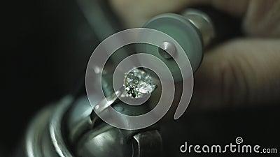 Art Of Making ein Juwel stock video
