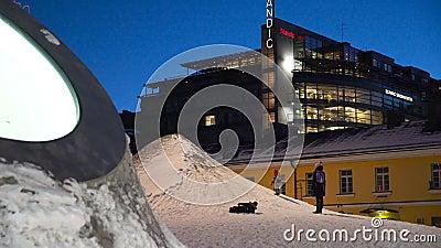 Art Museum Amos Rex op het Lasipalatsi-Vierkant in Helsinki, Finland stock footage