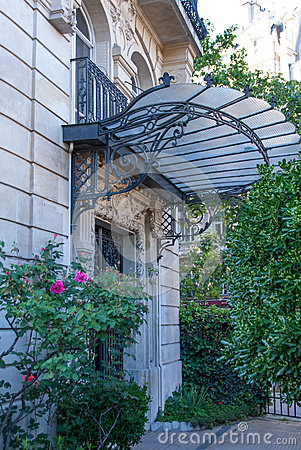 Free Art Nouveau Canopy On A Parisian Building Royalty Free Stock Photography - 39120897
