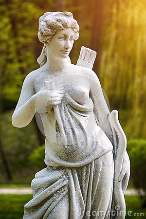 Free Artemis Sculpture. Statue Of A Female Hunter With A Bow And Arrow. Stock Photo - 91270340