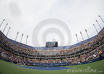 Arthur Ashe Stadium in Billie Jean King National Tennis Center tijdens US Open 2013 Redactionele Stock Foto