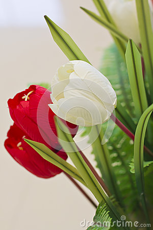 Artificial tulip flower