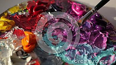 Artysta mieszanki na politrila menchiach i czerń kolorach z muśnięciem, 4k zbiory