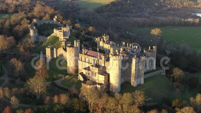 Arundel Castle, Arundel, West Sussex, Inghilterra, Regno Unito 4k Ora di tramonto III stock footage