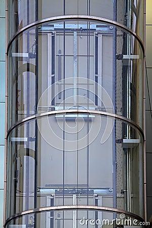 ascenseur l 39 ext rieur en verre photos stock image. Black Bedroom Furniture Sets. Home Design Ideas