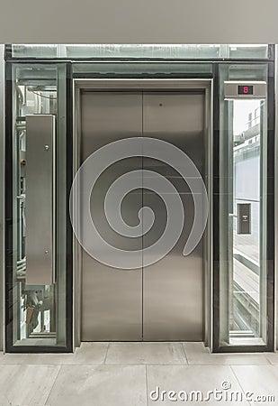 Ascenseur en verre