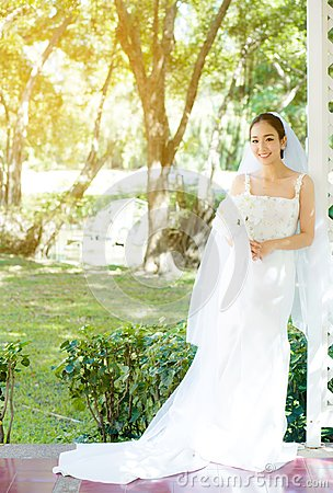 Free Asian Bride At Outdoor In A Morning. Royalty Free Stock Photo - 111604415