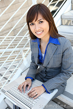 Free Asian Business Woman At Office Stock Photo - 10029020
