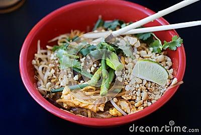 Asian chicken pad thai