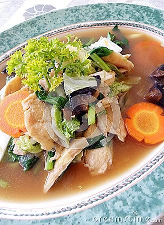 Asian chicken & vegetables dish