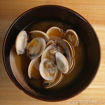 Asian fresh clams broth