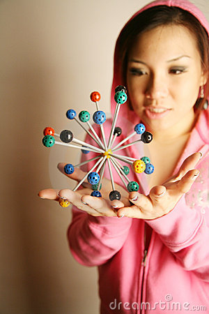 Free Asian Girl Holding 3-D Diagram Royalty Free Stock Photography - 2389137