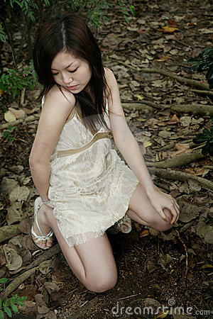 Free Asian Girl Looking Down Stock Images - 2171594