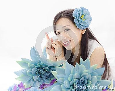 http://thumbs.dreamstime.com/x/asian-girl-make-up-spa-model-flowers-45264022.jpg