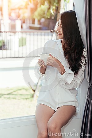 Free Asian Girl Who Just Wake Up In The Morning Royalty Free Stock Photo - 107936645