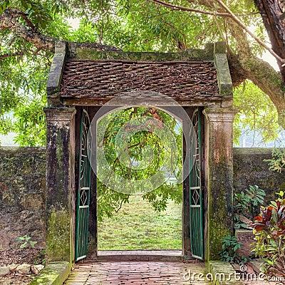 Free Asian Tropical Garden, Ninh Binh, Vietnam Royalty Free Stock Photo - 50927295