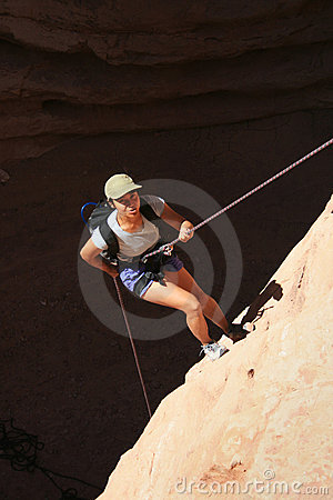 Free Asian Woman Rappels Royalty Free Stock Photo - 4926505