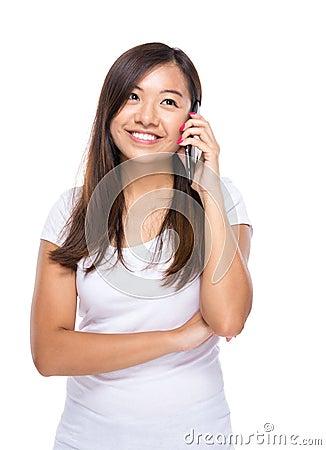 Free Asian Woman Talk To Mobile Phone Royalty Free Stock Photos - 42442958