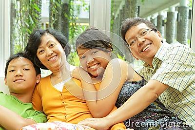 Asiatische Familienzusammengehörigkeit