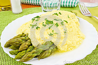 Asparagus with zabaglione sauce