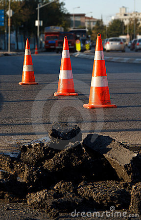 Free Asphalt Construction And Safety Cones Royalty Free Stock Photos - 17406018