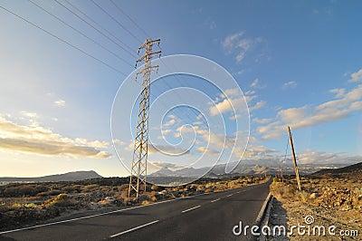 Asphalt Road en el desierto