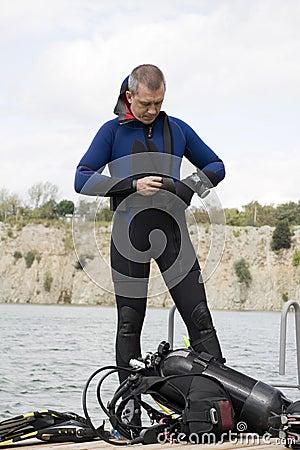 Assembling scuba gear