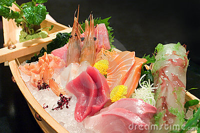 Assorted sashimi boat