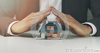 Assurance d'immobiliers et concept de sécurité banque de vidéos