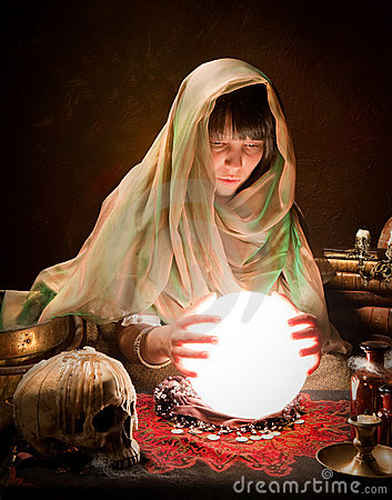 Free Astrology Gypsy With Crystal Ball Royalty Free Stock Photos - 16231468