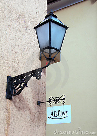 Atelier and lamp