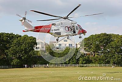 Aterrizaje del helicóptero del guardacostas Imagen de archivo editorial