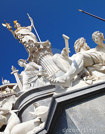 Athena statue in front of the Austrian parliament