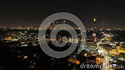 Atlanta czasu upływu zmierzchu v236 Powietrzny pejzaż miejski z ukosa panning TL nad O4W terenem zdjęcie wideo