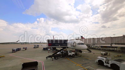 Atlanta, Georgia, United States Of America. May 2016. Atlanta Hartsfield-Jackson airport on May, 2016. Commercial airplane on the gate at Atlanta Hartsfield stock footage
