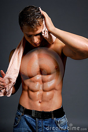 Atleta bagnato sexy
