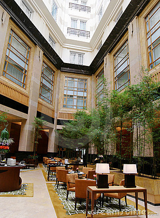 Atrium dining , luxury hotel