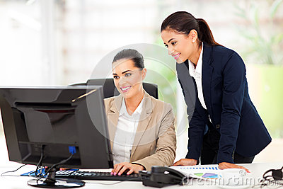 Business women computer