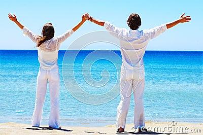 Attraktive Paare auf Ferien.