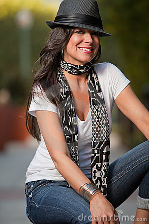 Attraktive Vierziger Brunette-Kaukasierfrau