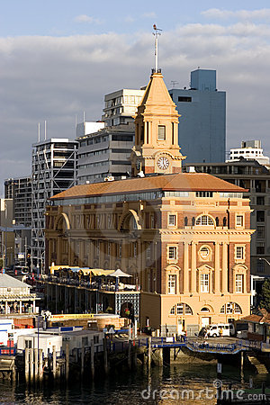 Free Auckland Ferry Building Royalty Free Stock Photos - 519548