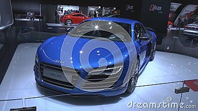 Audi R8 LMX το παγκόσμιο πρώτο τμηματικό αυτοκίνητο με τα φω'τα λέιζερ